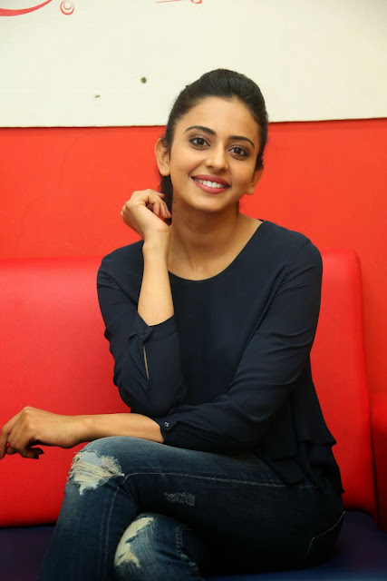 Actress Rakul Preet Singh Pictures in Jeans Gallery at Big FM 21.JPG
