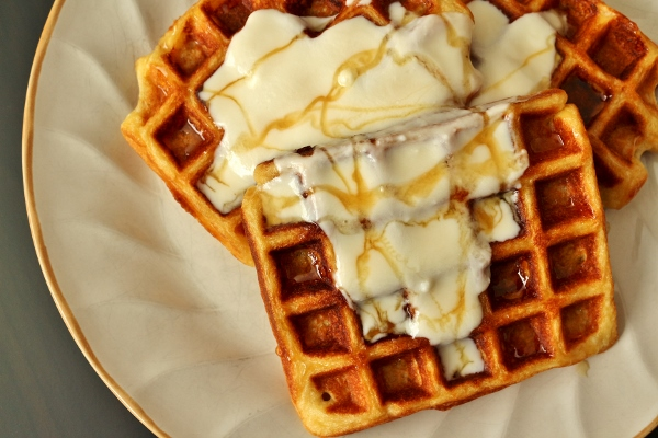 Mission: Food: Yogurt Waffles with Honey Cream