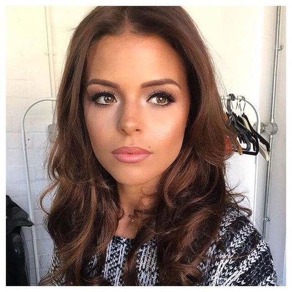 StyleSecrets: CHLOE LEWIS MAKE UP MUST HAVES