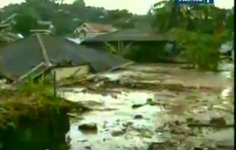 KUMPULAN FOTO BANJIR BANDANG MANADO 2014 Gambar Bencana Alam Banjir