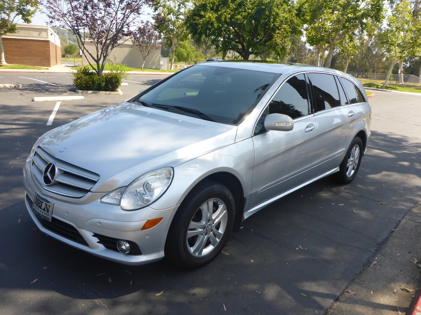 For Sale:     2008 Mercedes Benz R350