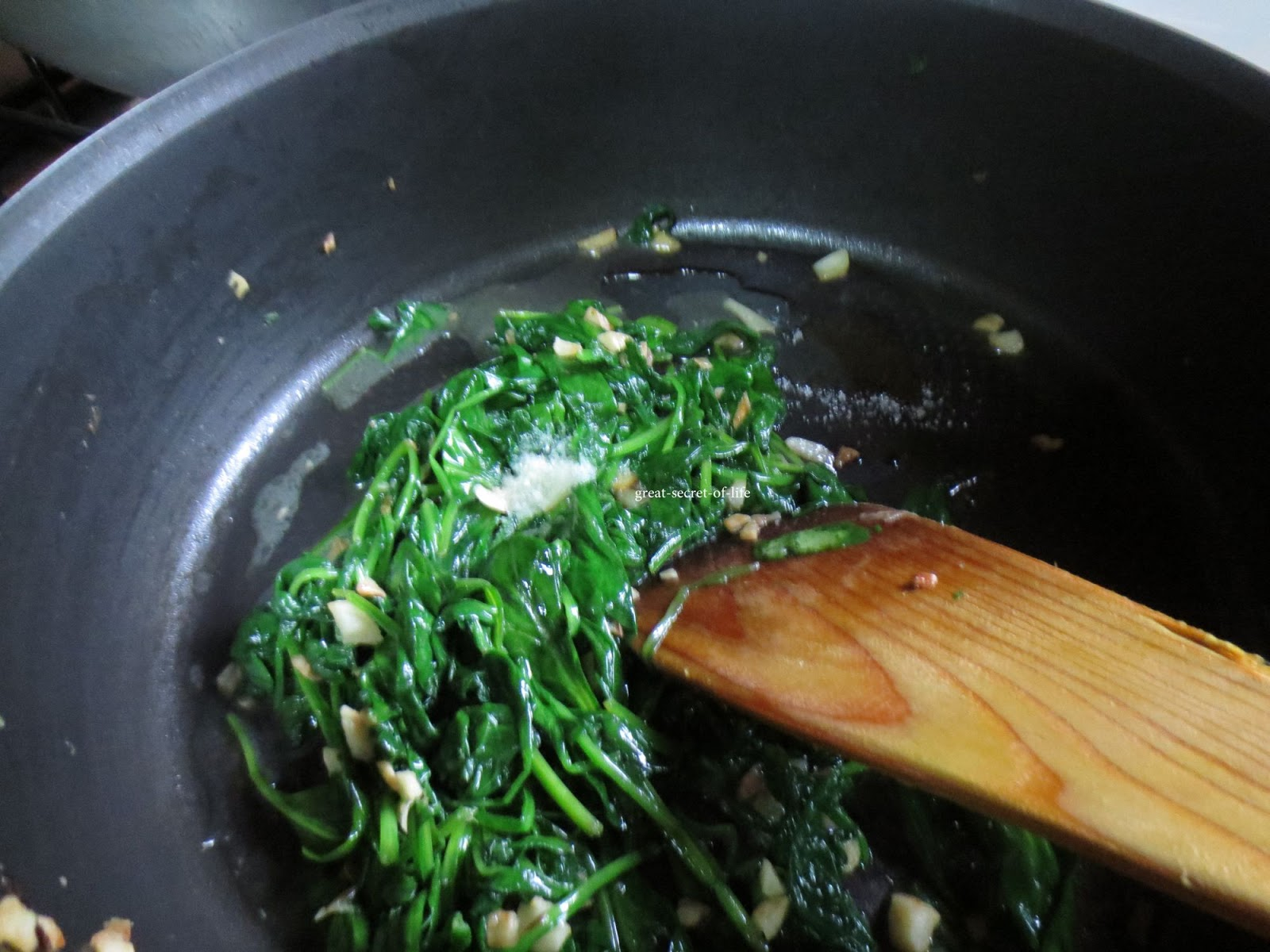 Spinach Garlic with Sesame Seeds| Great-secret-of-life