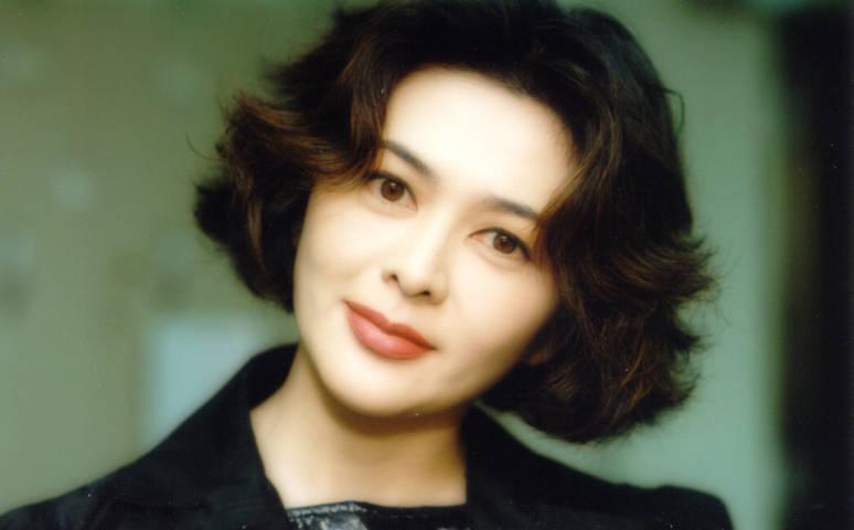 All Model and Movie Stars Photo Gallery: Rosamund Kwan Profile Rosamund Kwan Chi Lam