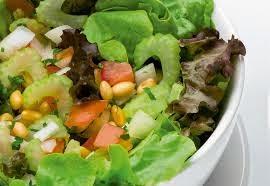 Salada de salsão com soja light