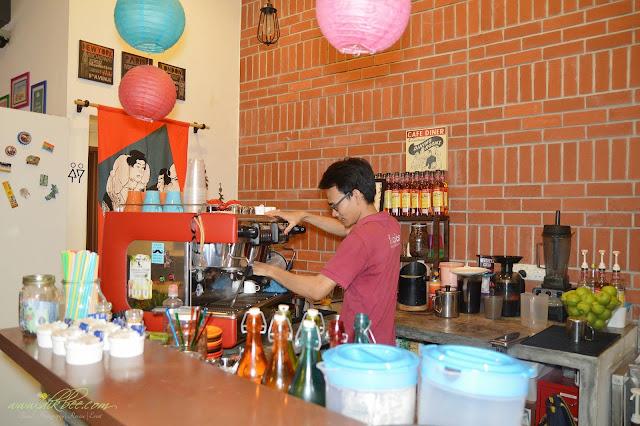 Fikcles Cafe Di TTDI