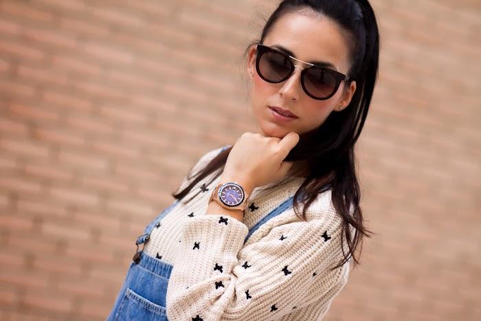 Jersey corto con mariposas bordadas y gafas de sol Prada 08PS
