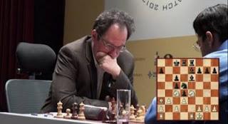 Échecs à Moscou : le challenger Boris Gelfand face à Vishy Anand lors de la 10e partie - Photo © Chessbase