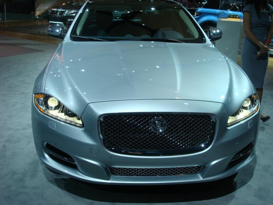 the green light 2013 jaguar xj gets a 3 0l supercharged v6. Black Bedroom Furniture Sets. Home Design Ideas