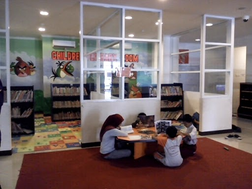 Ruang Koleksi Anak di Perpustakaan Umum Kota Surabaya