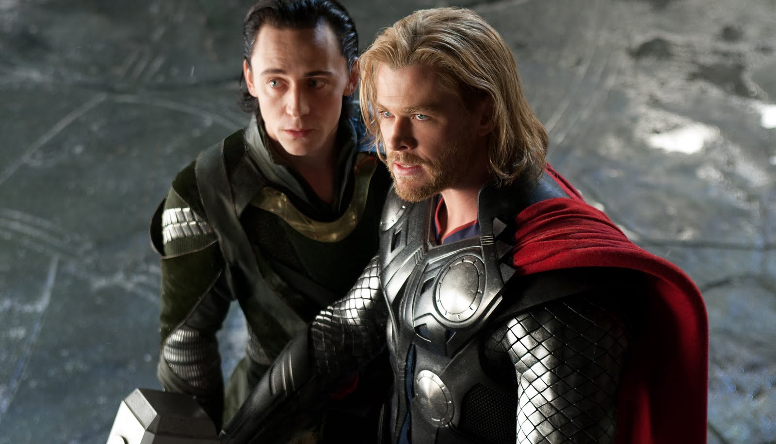 http://2.bp.blogspot.com/-i8kDb40zg-g/TjgAaRcugfI/AAAAAAAAATQ/WbqhsXcm95c/s1600/Loki-Thor-Movie-Wallpaper-4.jpg