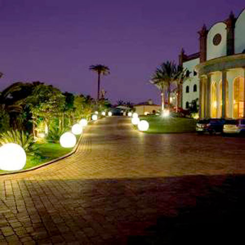 Landscape Lighting Landscape Lighting Gives A Cool Effect