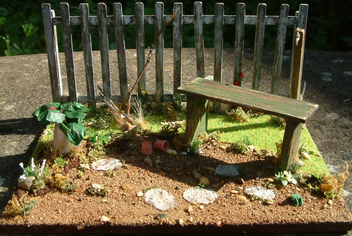 Coombe Crafts Miniature Blog: Take a Look Over the Little Garden ...