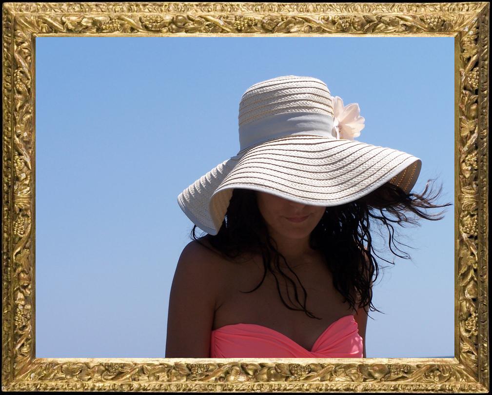 cappello con fiore stile positano