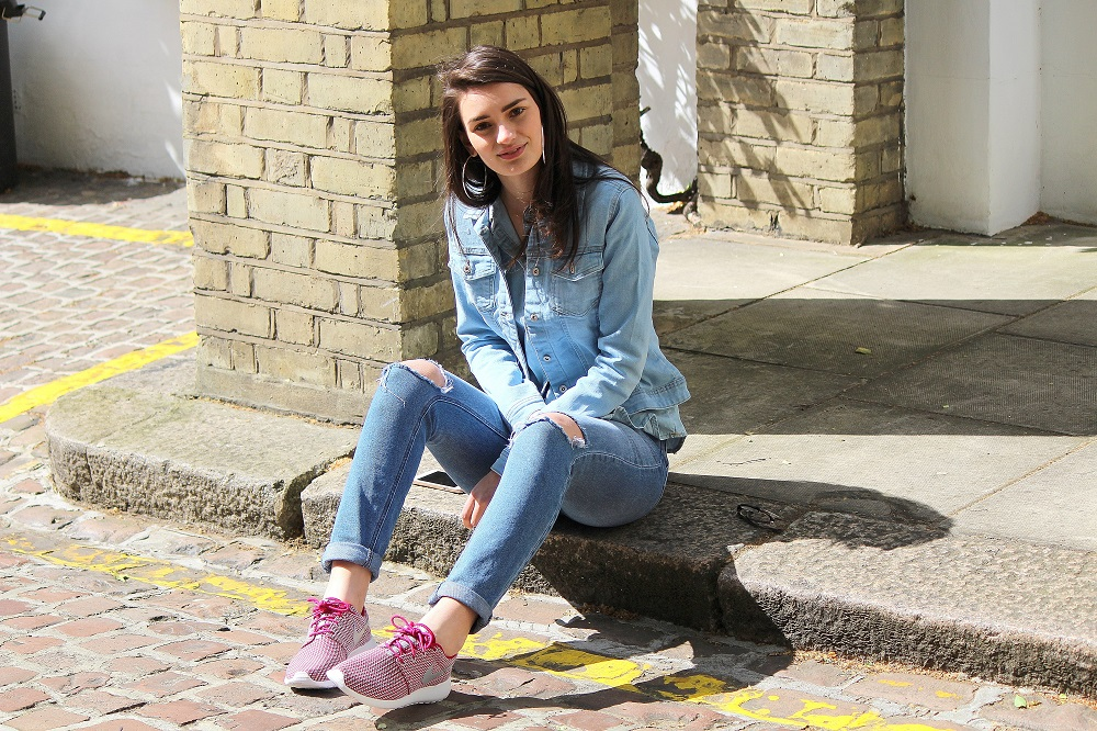 peexo-fashion-blogger-wearing-triple-denim-ripped-jeans-denim-shirt-nike-roshe-run-trainers