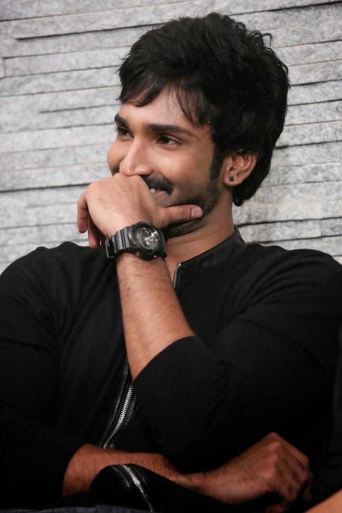 cinemesh actor aadhi latest stills