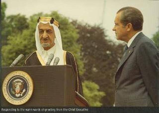 """ديجول للملك فيصل """"فلسطين وطن اليهود الأصلي """" ماذا رد الملك العربي؟!"""