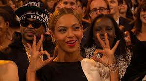 Beyonce 666 Hand Sign At The 2013 Grammy Awards