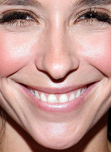 Jennifer Love Hewitt Close Up
