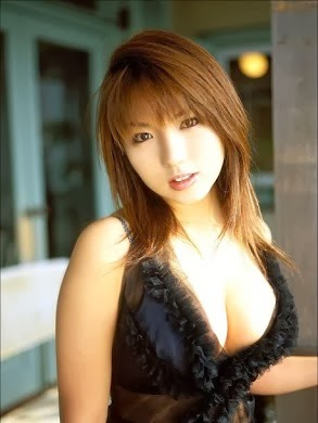 Foto Gadis Pemilik Payudara Montok, Besar, Hot, Sexy Terbaru 2014