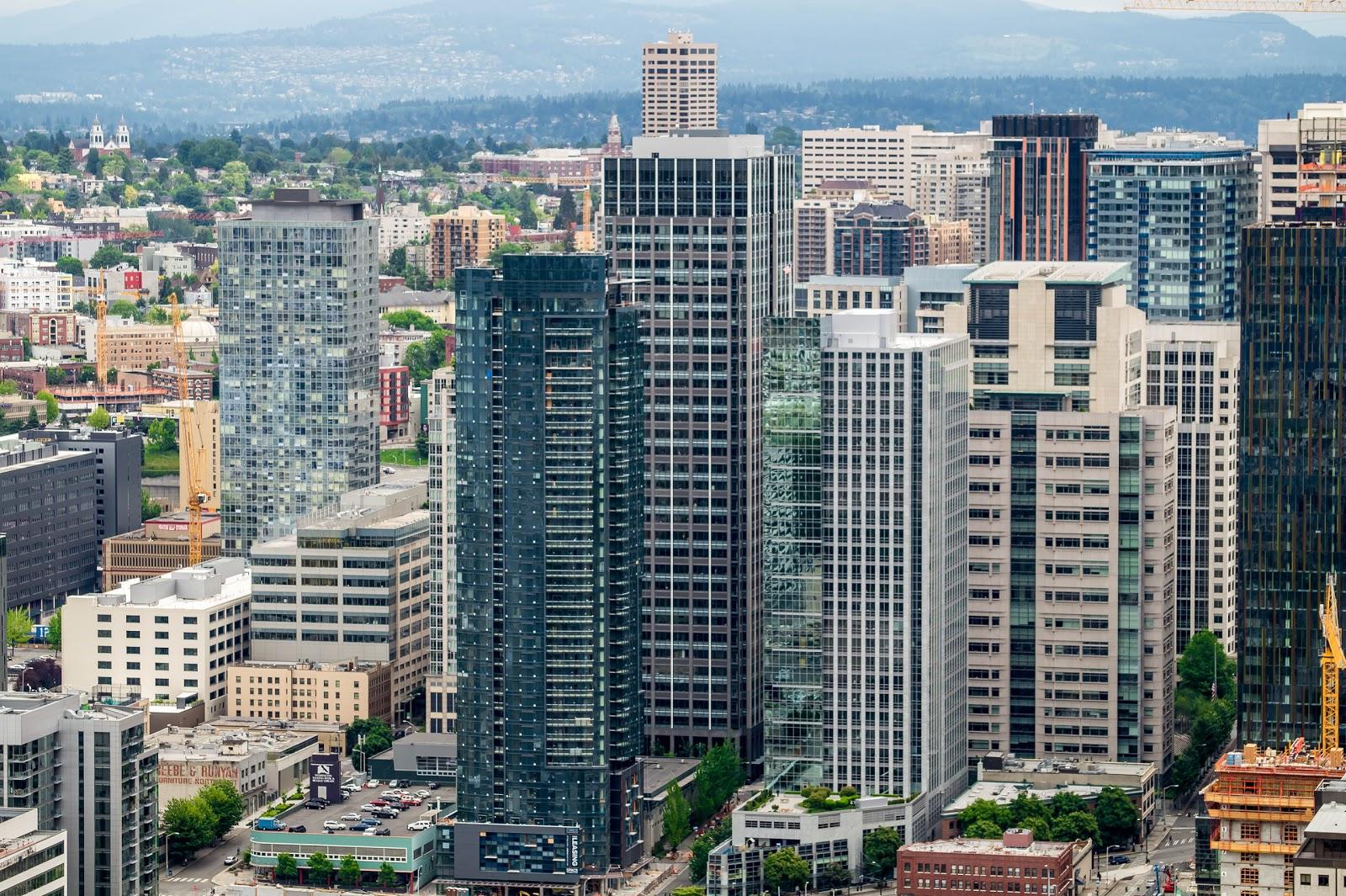 Масштабам строительства в Сиэтле позавидовал бы любой город Канады.