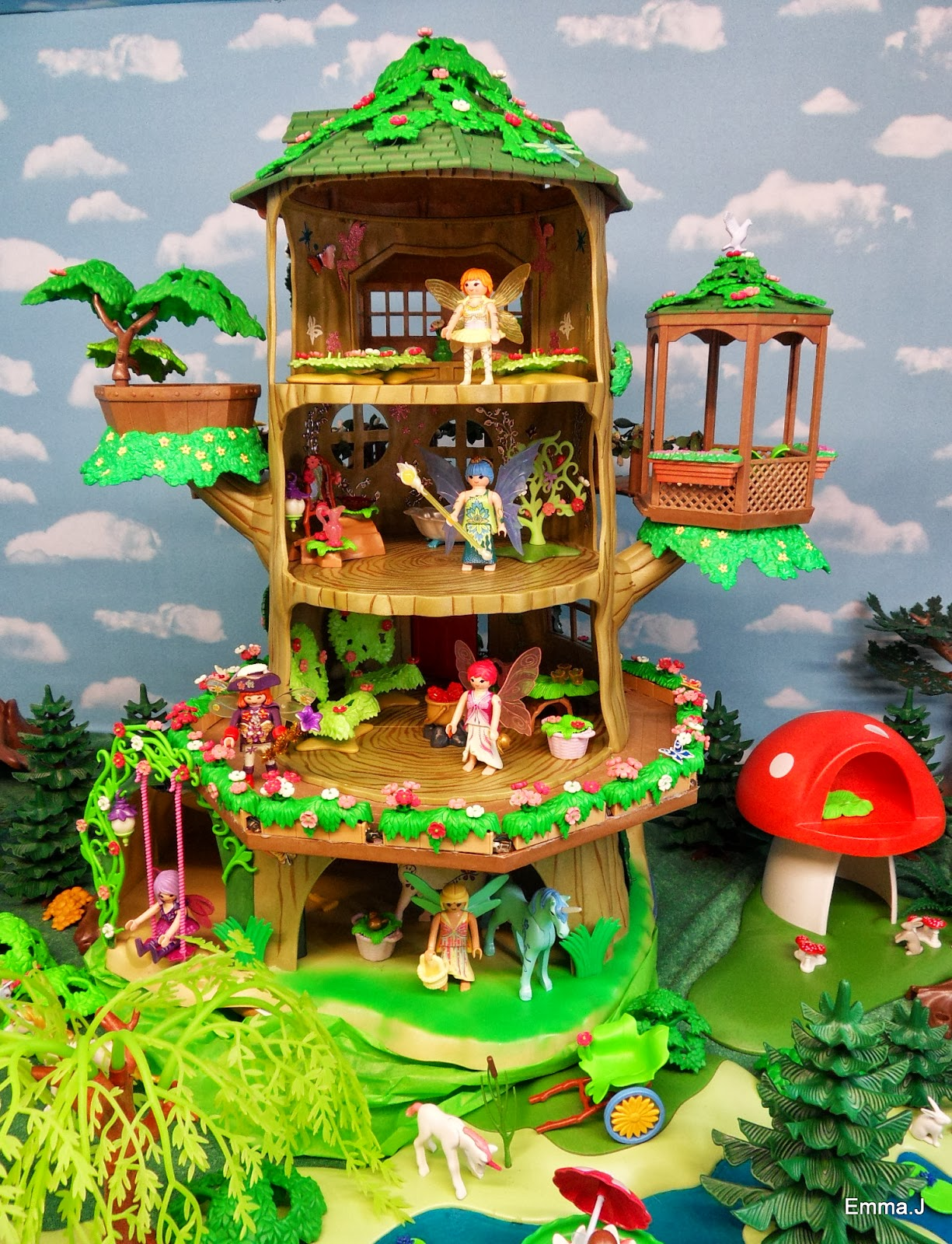 Playmobil Light Up Fairy Tree House Unicorns Fairies
