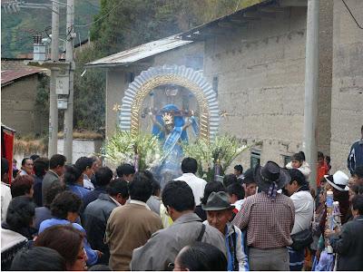 Paucartambo invita a la fiesta mas grande de la sierra central del peru - 28 de mayo