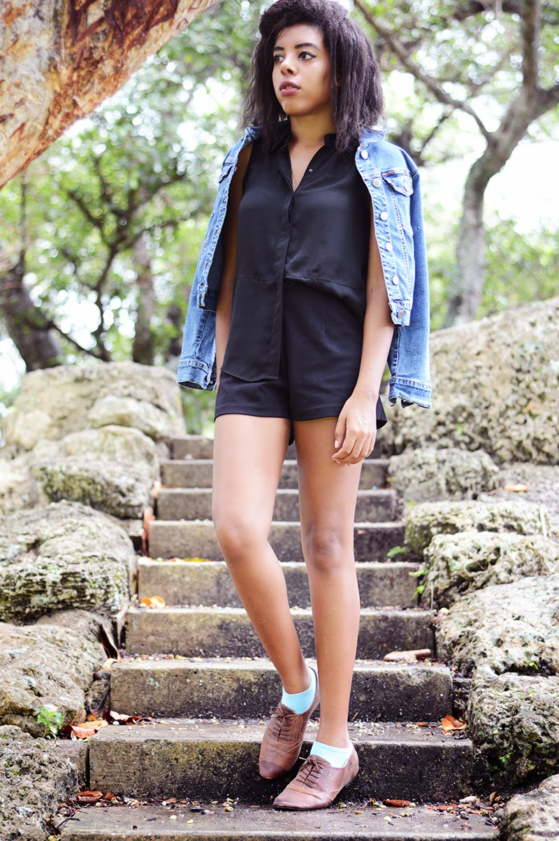 Miami Fashion Blogger Anais Alexandre of Down to Stars in a Mossimo top with Forever 21 shorts and a vintage Bacci jean jacket and Mossimo oxfords