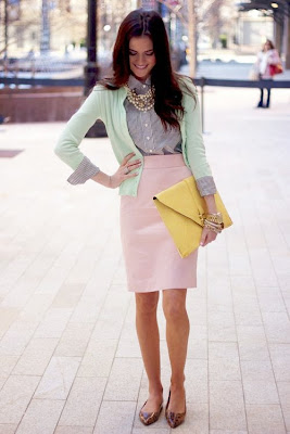 Tips Mengkombinasikan Warna Baju