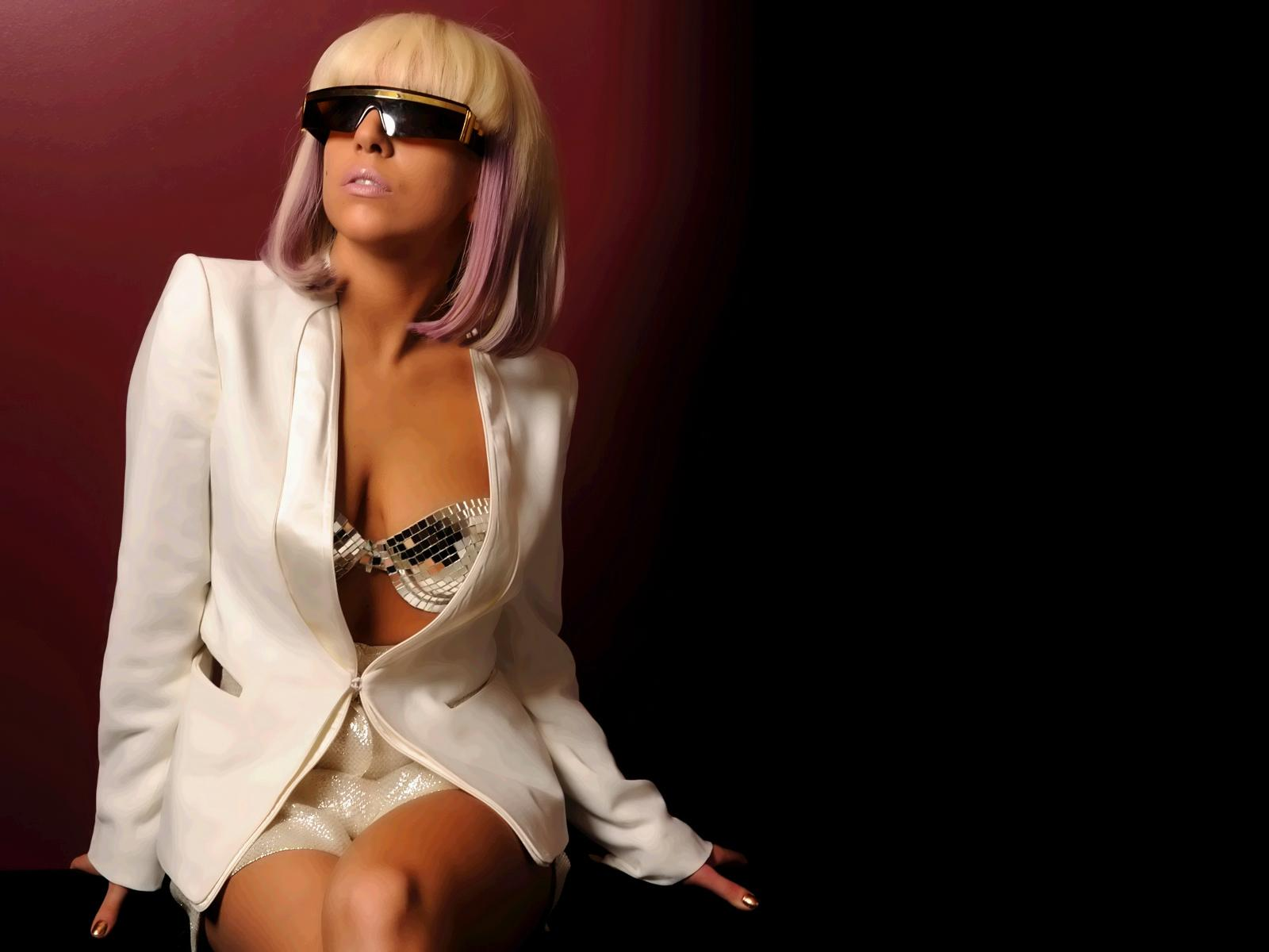 http://2.bp.blogspot.com/-iBCoGIfLCvo/Ta_NzhoayFI/AAAAAAAAEqI/DO3yjdpyk60/s1600/Lady-Gaga-Wallpapers.jpg