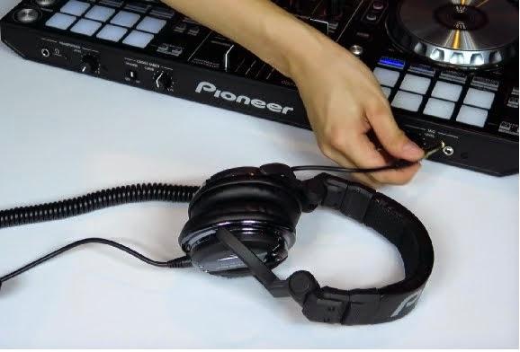 Trik mengunakan headphone sebagai mic