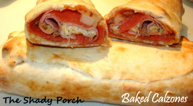 Baked Calzone #pizza #calzone #pepperoni #dinner #partyfood #cheese