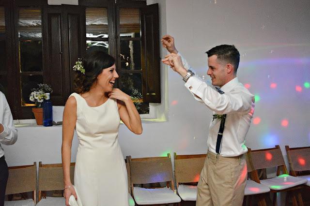 novios baile música canción felicidad boda