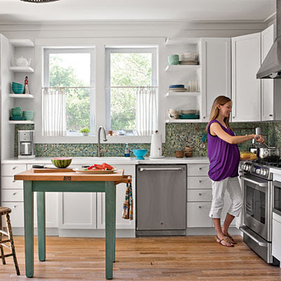 Seaside style a pre fabulous beach cottage for Beach cottage kitchen cabinets