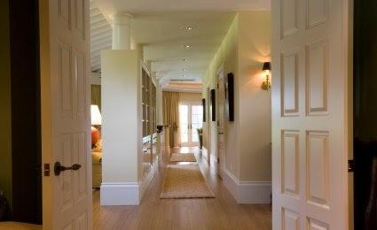 deco style comment d corer un couloir. Black Bedroom Furniture Sets. Home Design Ideas