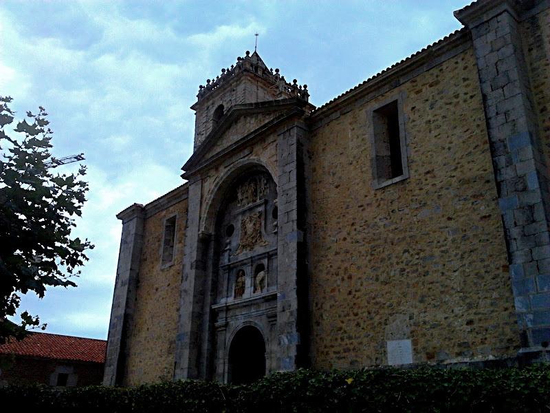 Iglesia de San Julian y Santa Basilisa en Isla