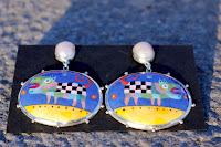 Auskari: sudrabs-Ag925,pērles, emalja. Cena: 75 Ls