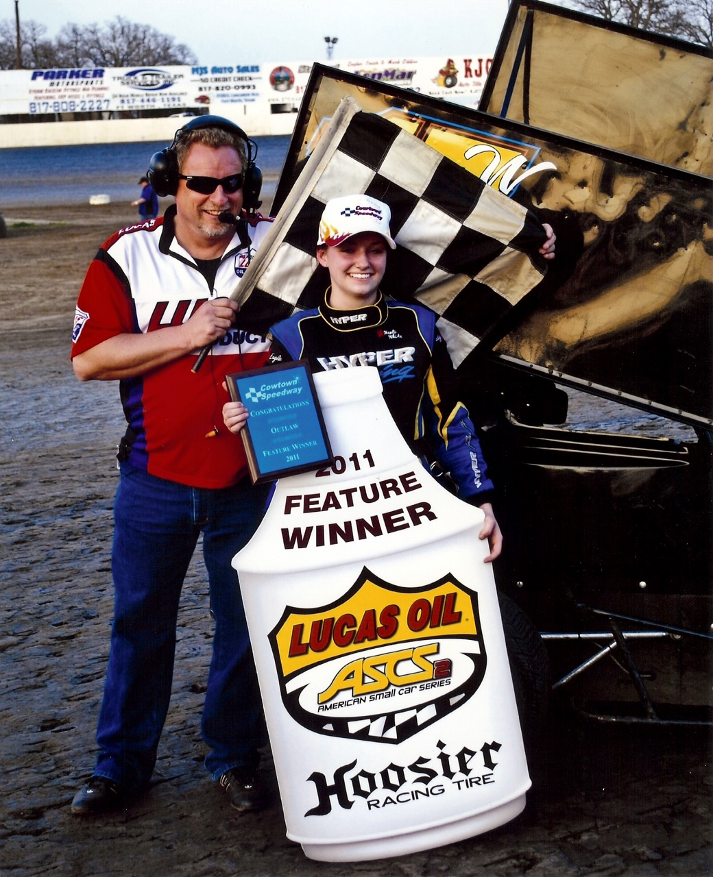 Though a Chili Bowl rookie, White is familiar with the bullring Dirt oval,  having made the A-Main in two different classes at the Tulsa Shootout.