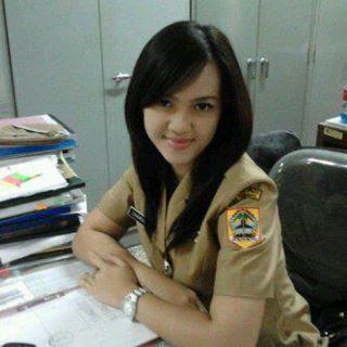 Foto PNS Pamer Memek di kantor