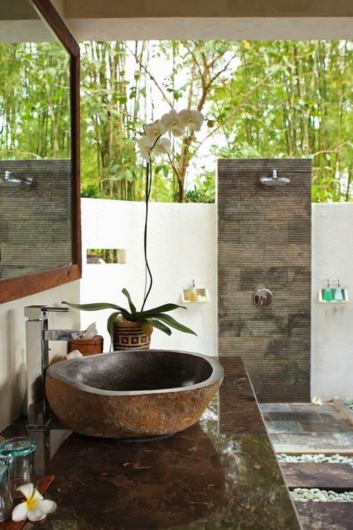 Boiserie c doccia o vasca in giardino - Doccia per giardino ...