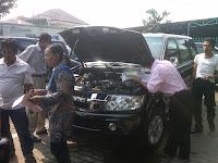 Pengecekan mobil Panther Kupang