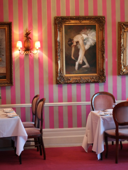 pink striped wallpaper, Cottonwood Boutique Hotel Bournemouth