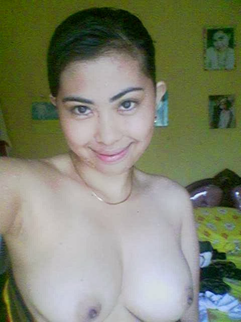 Gambar Bogel Senyum Yang Dipaksakan   Melayu Boleh.Com