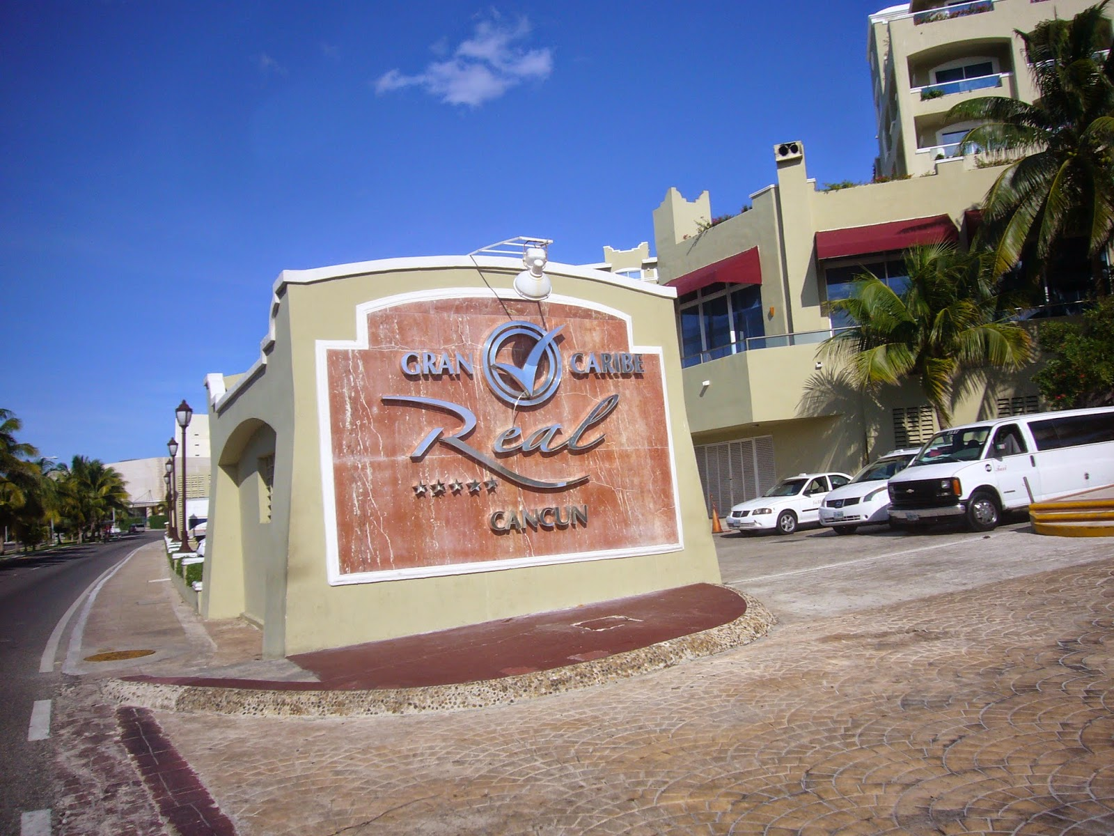Gran Caribe Real Cancun Sikh priest