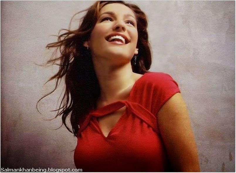 Hollywood Actress Kelly Brook hot hd wallpaper