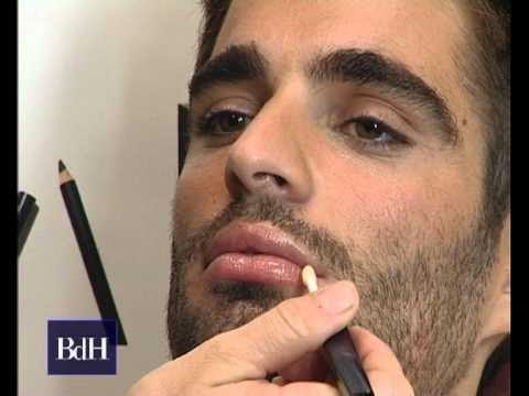 estética masculina, cosmética hombres, maquillaje de hombres, chicos empolvados, varones usando colorete, piel caballeros