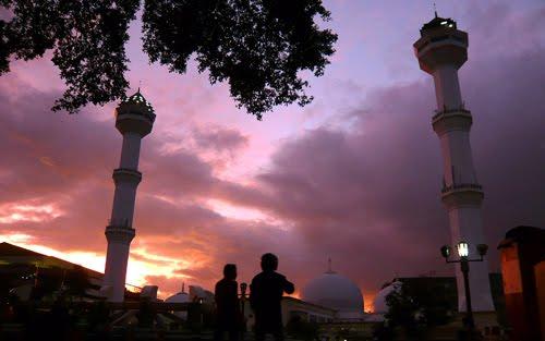 Menjelang Maghrib di Masjid Agung Bandung
