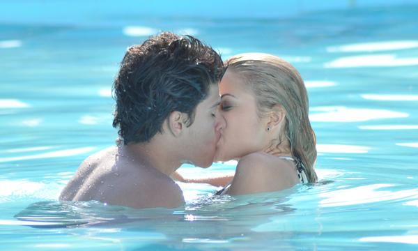 1d one love more than this cap 14 2 temporada for A tua piscina ta cheia de ratos