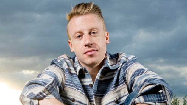 ¡Cantantes preferidos! 111312-shows-106-park-white-rappers-Macklemore