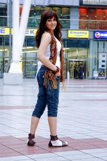 Hansika Motwani Hot Photo 2012 - (11) - Hansika Motwani Hot Photo Gallery