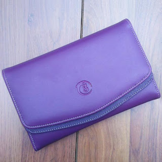 Dompet Grizzly Femme, Kode D228